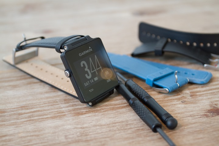 Garmin-Vivoactive-Leather-Front